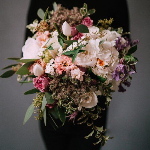 Buchet cu Bujori, Trandafiri si Hortensie