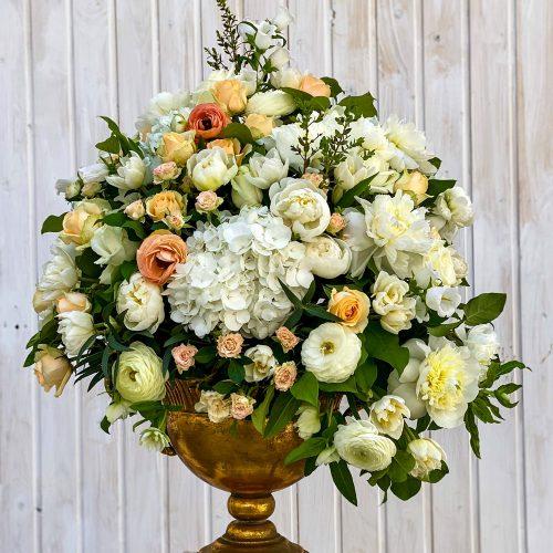Aranjament In Vas cu Hortensie, Ranunculus si Bujori